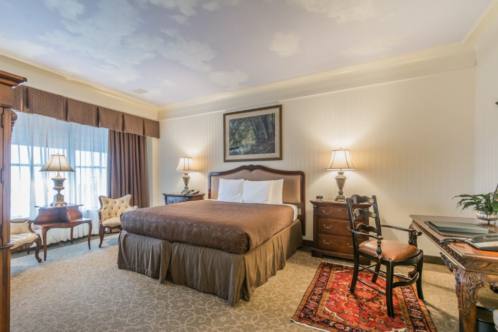 O.Henry Hotel Magi Suite Guest Room