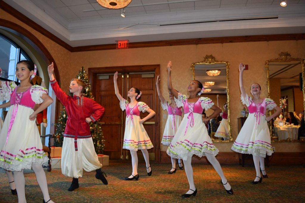 Live dancers at Holiday Nutcracker Tea at O.Henry Hotel