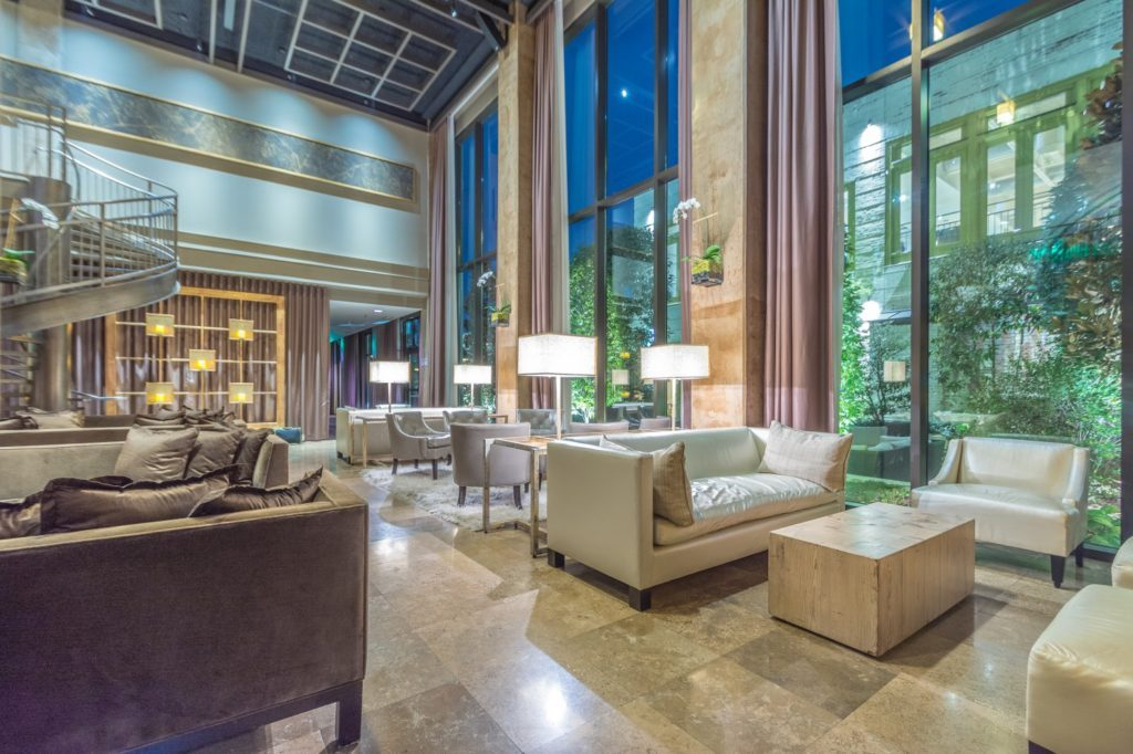 Proximiyt Hotel social lobby