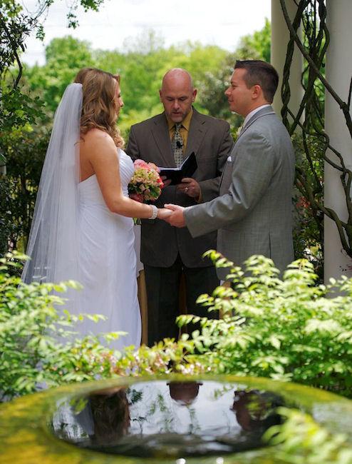 Taxi Greensboro Nc >> An Indoor-Outdoor Wedding at O.Henry Hotel in Greensboro, Nc