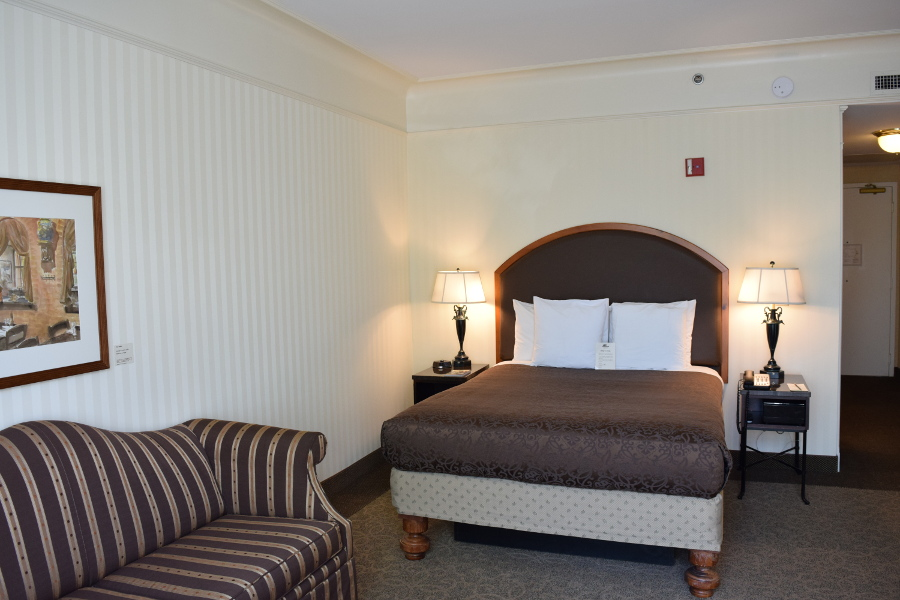 O.Henry Hotel Accessible Queen Room
