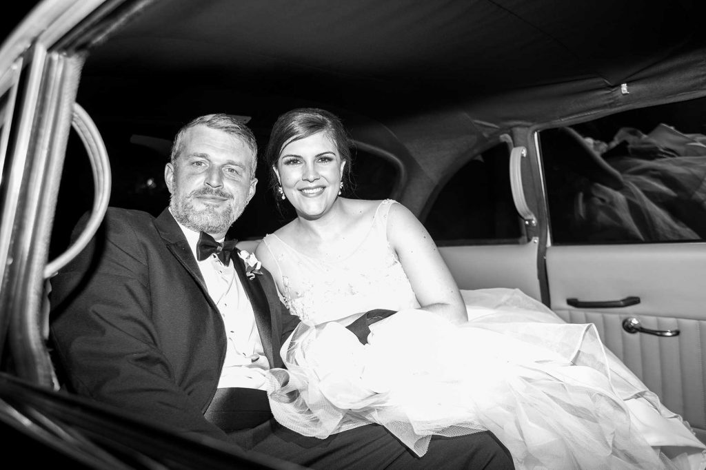 Weddings at O.Henry Hotel Stephanie and Tim's London Taxi Departure